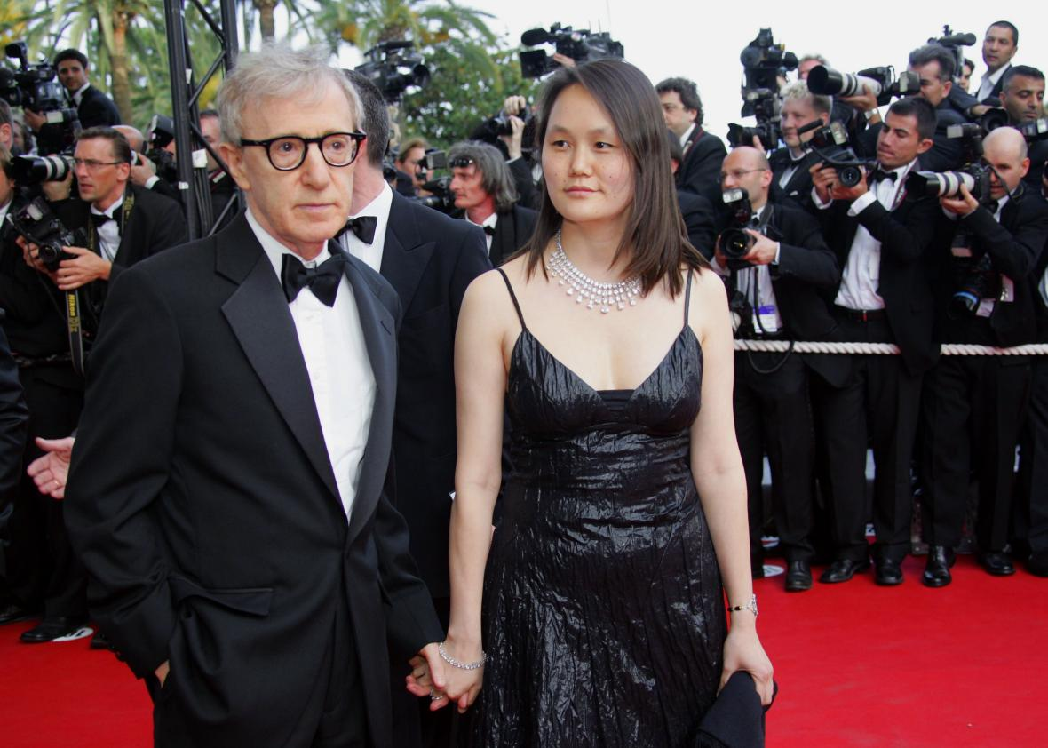 475837076-director-woody-allen-arrives-with-his-wife-soon-yi-for_jpg_CROP_promo-xlarge2.jpg